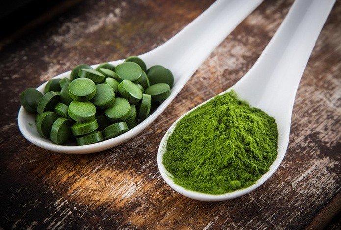 Cancer användbar mat Chlorella och Spirulina