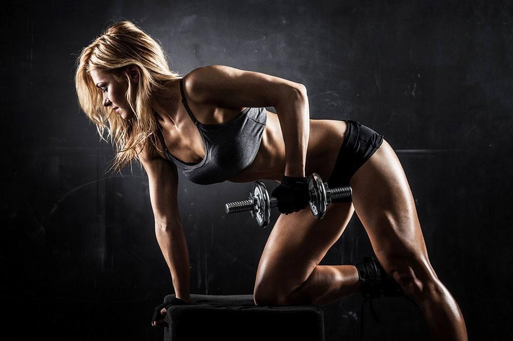 Filles d'haltérophilie | Les 6 mythes les plus courants sur les femmes et les poids