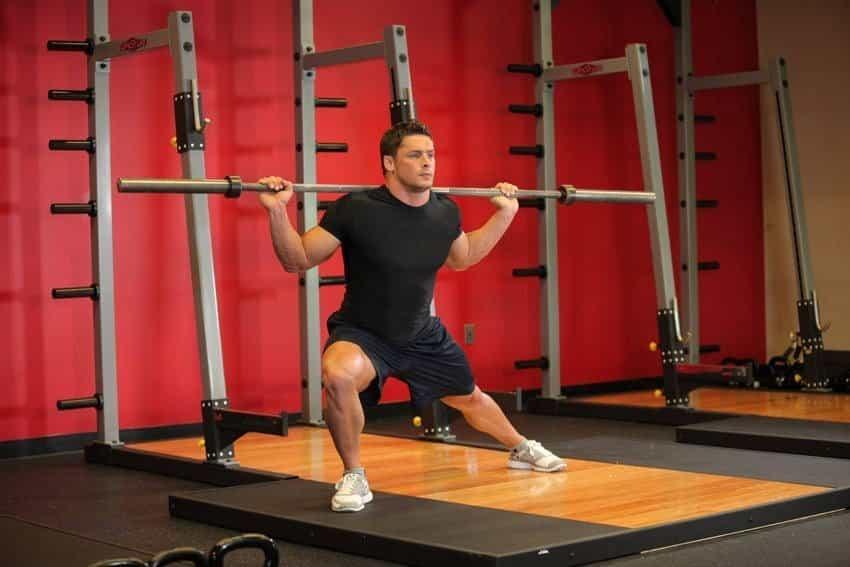 Приседания со штангой на боку - Упражнения для ног - МОЩНО