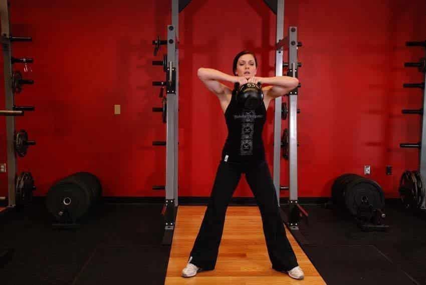 Kettlebell Sumo High Pull - Trapez Egzersizleri - GÜÇLÜYAŞA