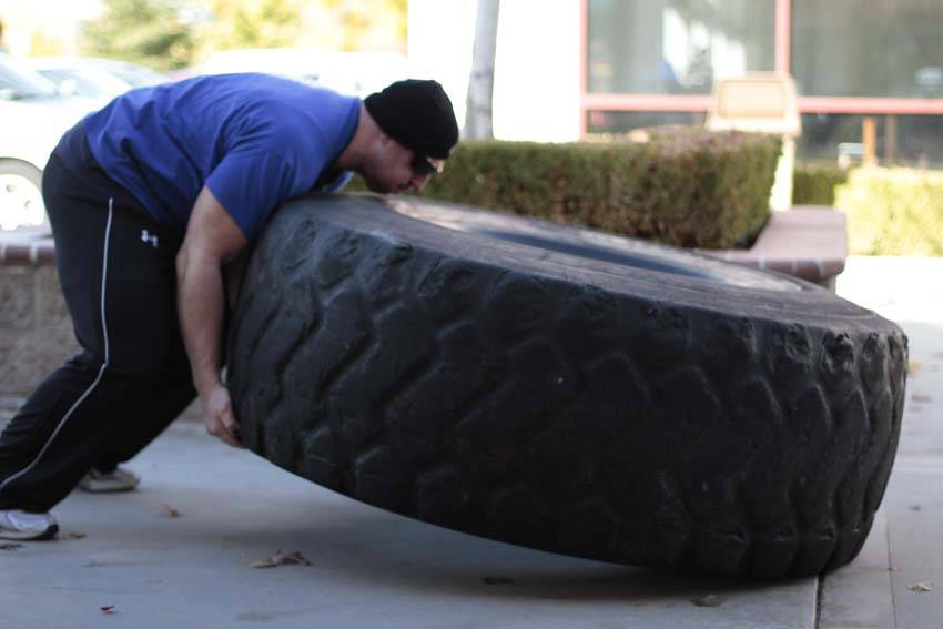 Tire Flip - Упражнения для ног - GÜÇLÜYAŞA