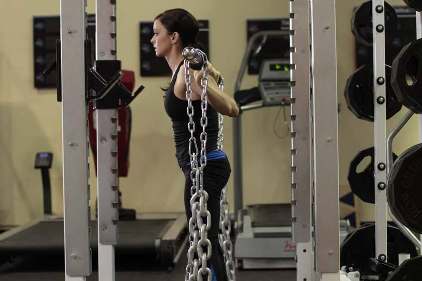 Squat With Chains - Bacak Egzersizleri - GÜÇLÜYAŞA